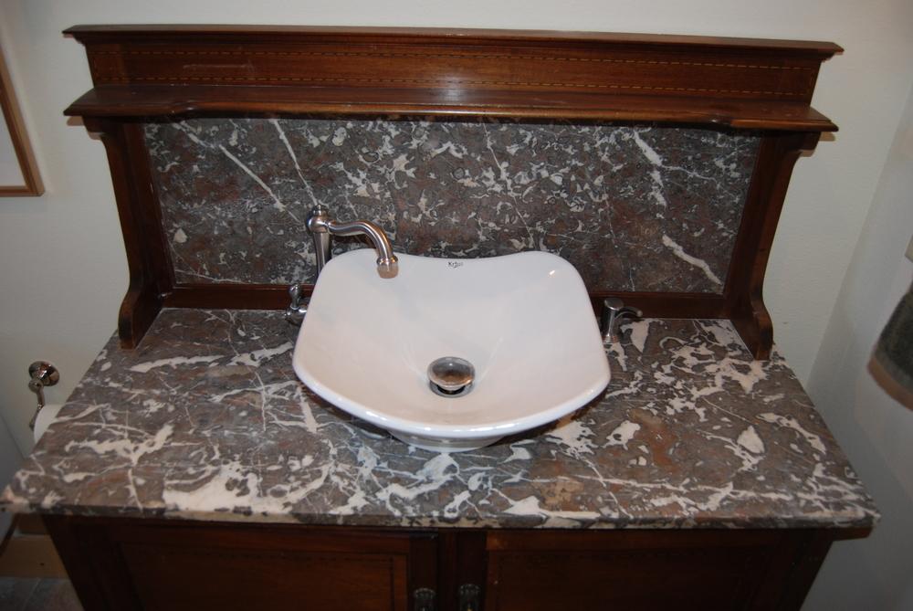 bathrooms 13.jpg