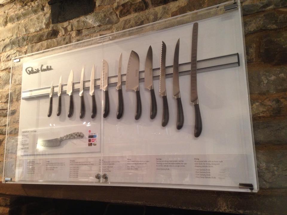 knives1.jpg