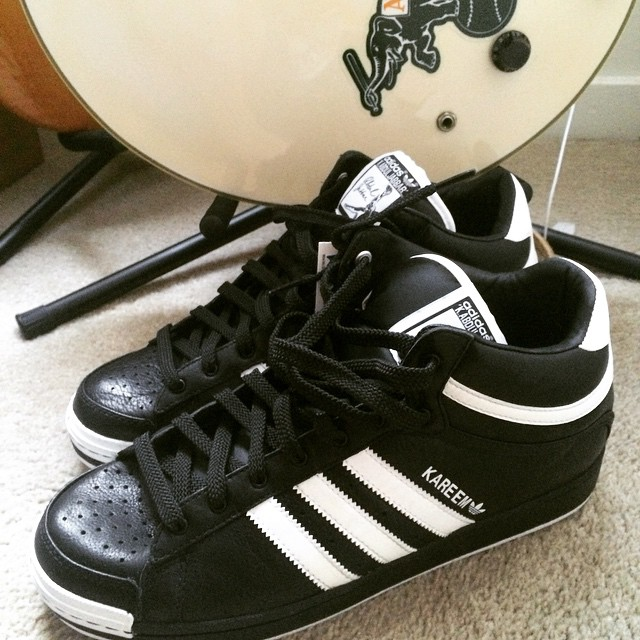New shoes, old guitar. #Adidas #Kareem #Ibanez #oaklandAs #kicks #newshoes