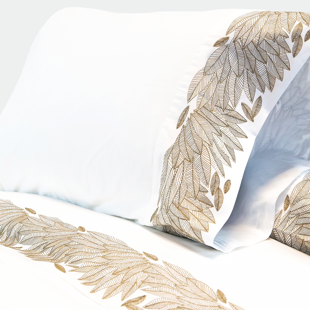 FEATHERED EMBROIDERED SHEET SET
