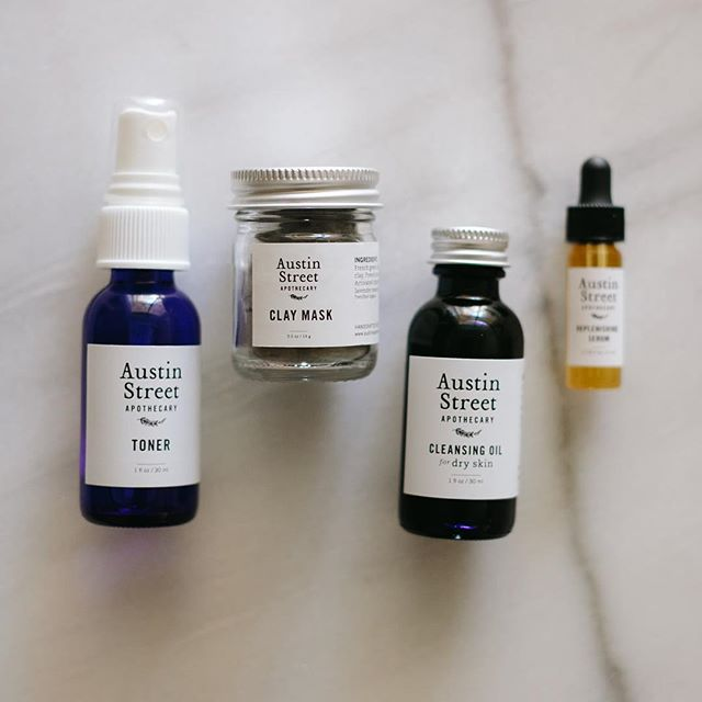 Today is the final day of our 20% off sale! Our Essentials Facial Kit, a beautiful collection of ASA favorites, has been a clear bestseller. Thank you so much for supporting our botanical apothecary dreams! Use code SHOPSMALL2018 at checkout! Sale ends at 11:59PM CST. 📷: @jillian_zamora_photo
