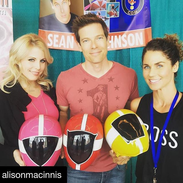 #Repost @alisonmacinnis (@get_repost) ・・・ Fun weekend in Mobile Alabama @questconvention with @seancwjohnson and @sassycraig! #powerrangers #pinkranger #redranger #yellowranger #alabama #mobile #comiccon @sapphiremanagement