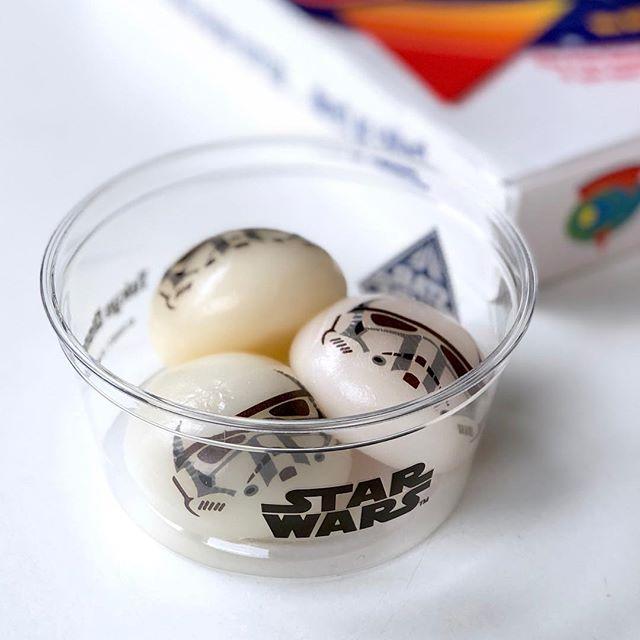 Stormtrooper mochi!!!! #tokyodisneyland #stormtrooper #starwars #mochi