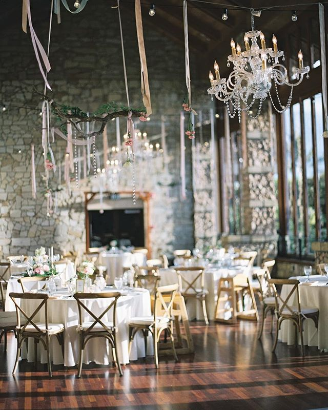The beauty of film meets the lovely Maui hotel wailea. One of the most special indoor dinner reception venue in Hawaii, in my mind. Definitely worth checking it out. #hawaiidayweddings #hawaiiweddingphotographer #hawaiiweddingplanner #mauiweddingphotographer #mauiweddingplanner #hotelwailea #film #filmphotography #contax645 #fuji400h