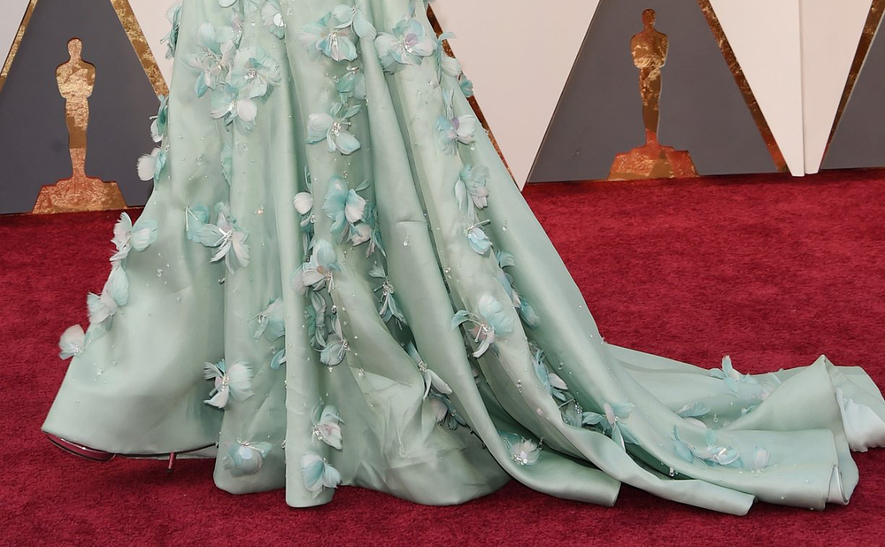Disappointingly, Cate Blanchett is so bothered about being upstaged by this gorgeous offering from Ikea that she's insisted on covering most of it with her stupid dress. Selfish cow.