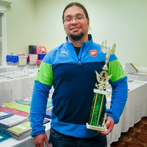 Miguel Recio (2154) wins the Expert Class trophy in the Master/Expert section