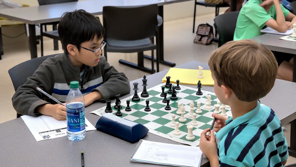 Round 3: Two promising young players! Bach N. (1485) vs Daniel H. (723)