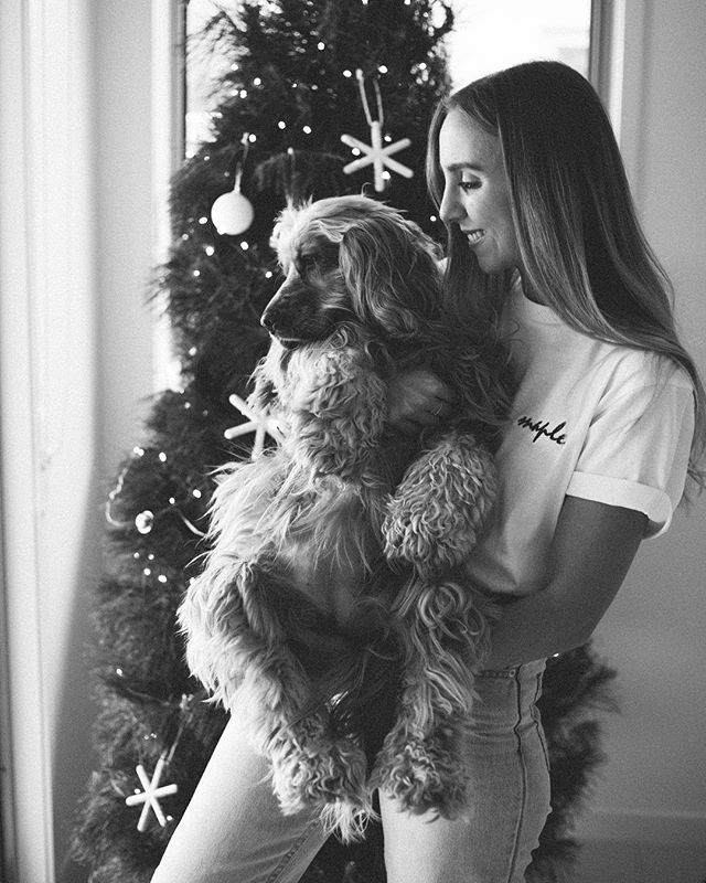 Christmas ready with my Maple pup ❤️ @mapleandlacie and wishing everyone a beautiful holiday season ✨✨also thank you @jessicaroseeee__ for my custom made Maple tee, my favourite present ever 👏🏼