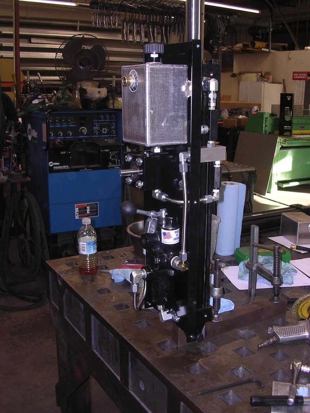 Hydraulic unit in the shop