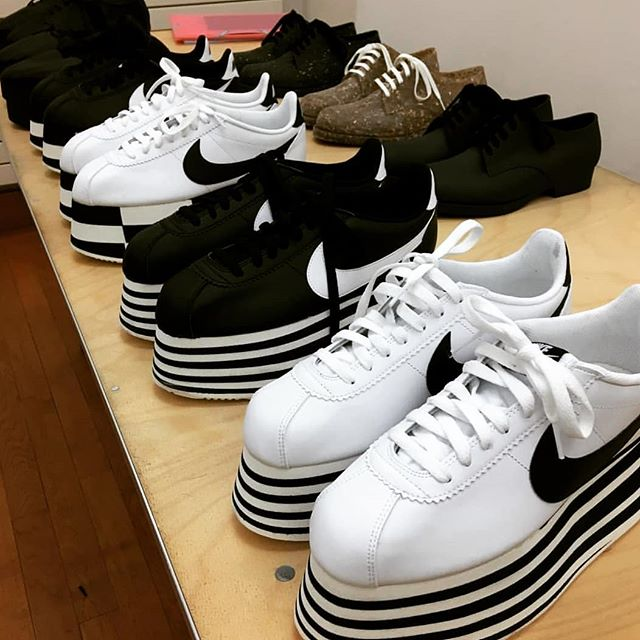 Just call me sporty spice. @commedesgarcons @nike #reikawakubo #CDG #shoes #fashion #accessories #accessorize #accessoteur #designercollaboration #love #fall2018 #sneakers