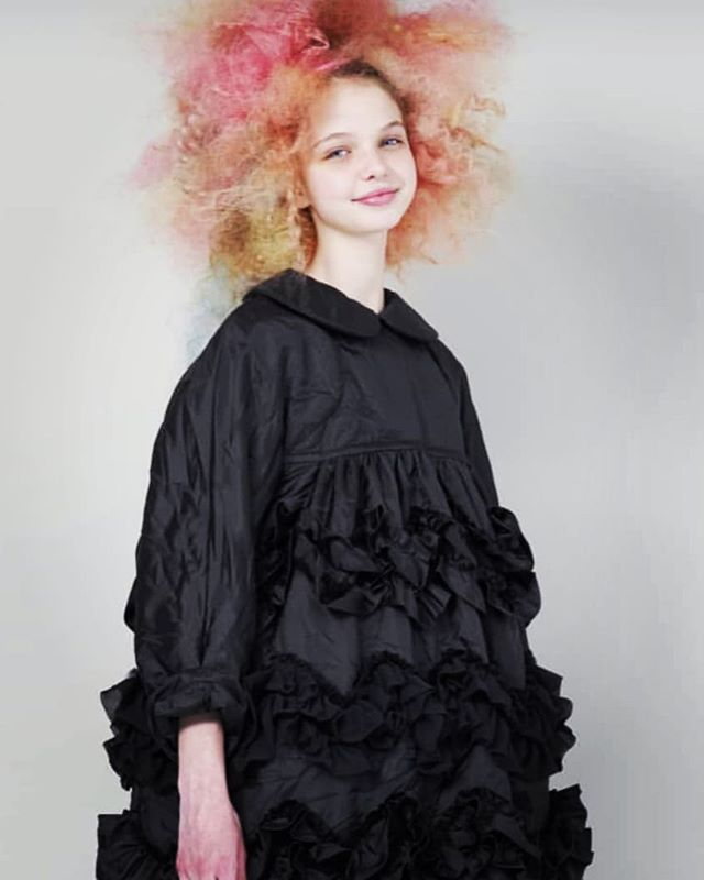 Feeling swirly girly. @commedesgarcons #reikawakubo #commedesgarconsgirl #CDG #fashion #ruffles #girlie