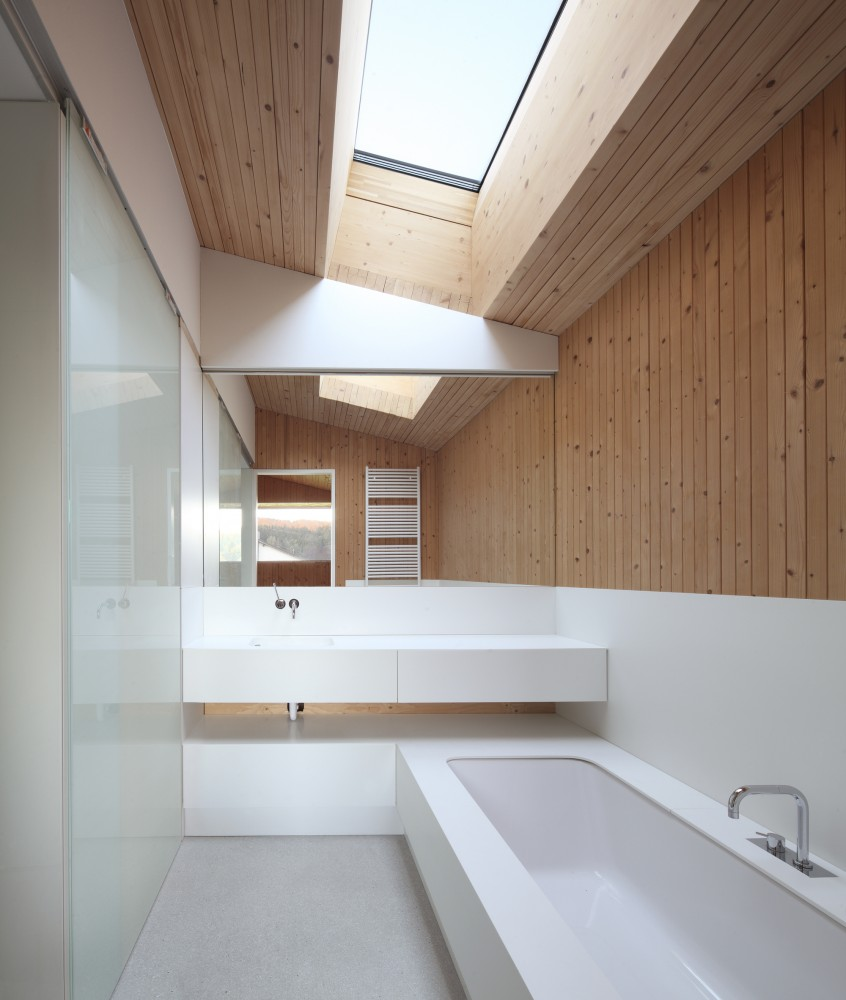 Bathroom-Wood-and-White