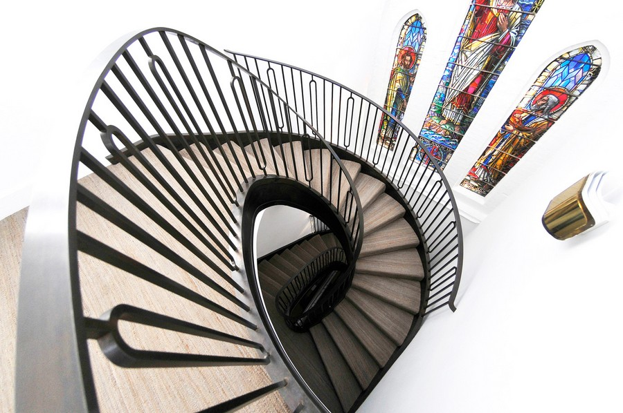modern-St-Judes-Helical-Staircase