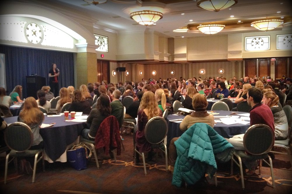 JFA Trainer Catherine Wurts speaks at a JFA workshop for Lincoln, Nebraska high school students attending the March for Life (DC) in 2015.