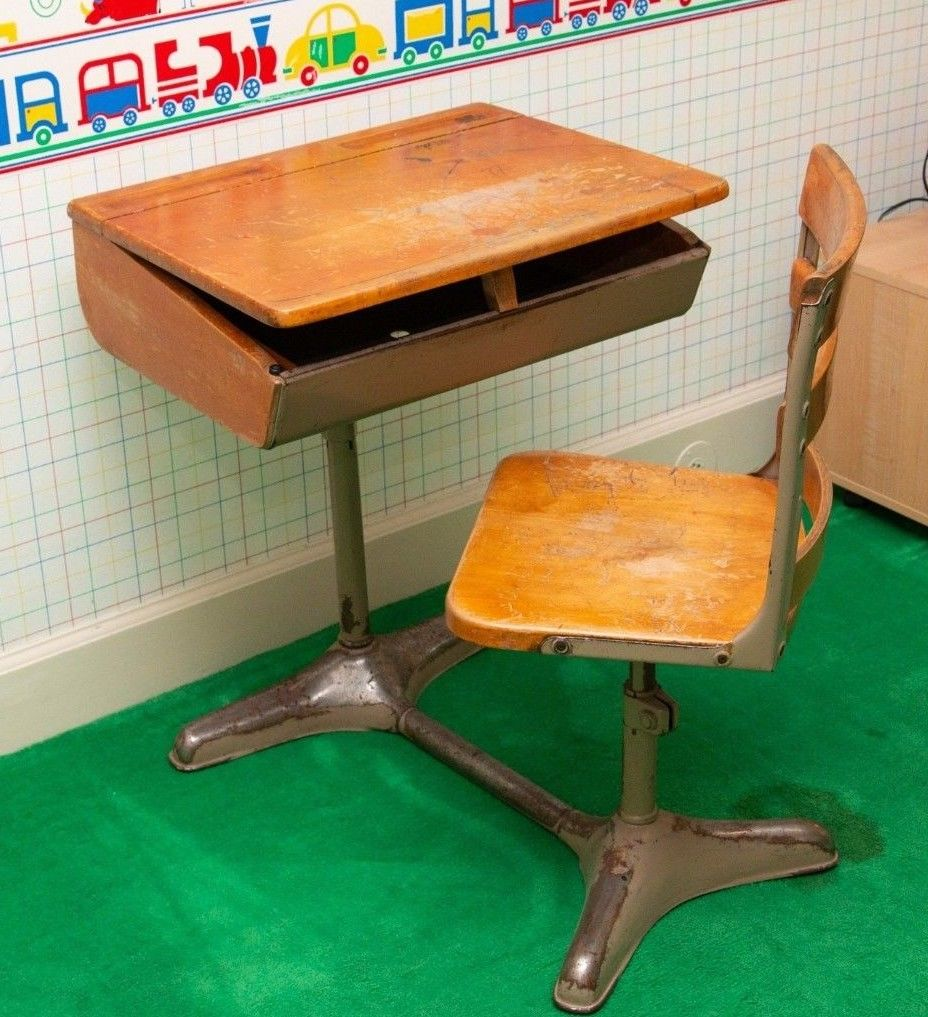 antique desk.jpg