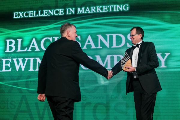 Ian receiving the 2016 Westpac Business Award for Marketing Excellence in West Auckland