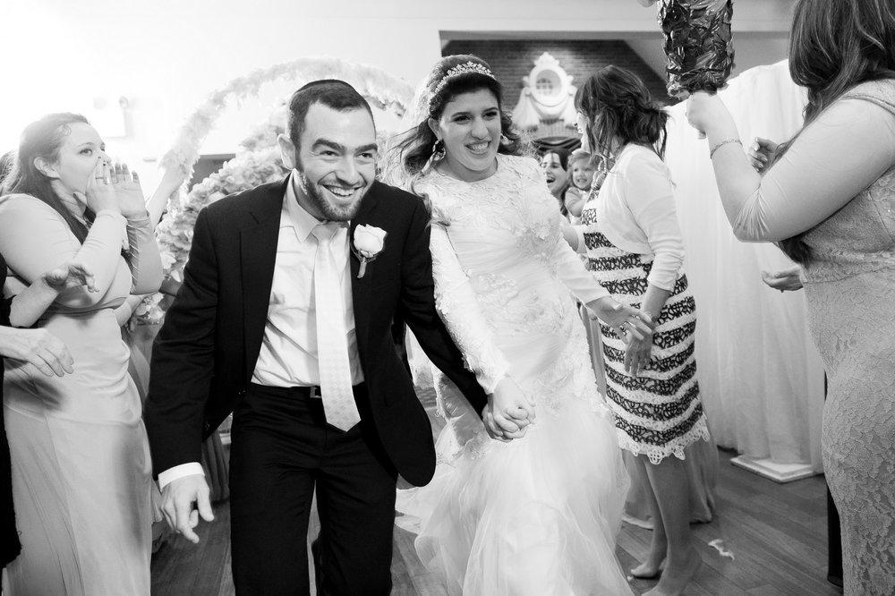 Orthodox Jewish Wedding, Dyker Beach Park and Golf Course, Brooklyn, New York, Photo by Chaim Schvarcz, Dancing, Bride, Groom