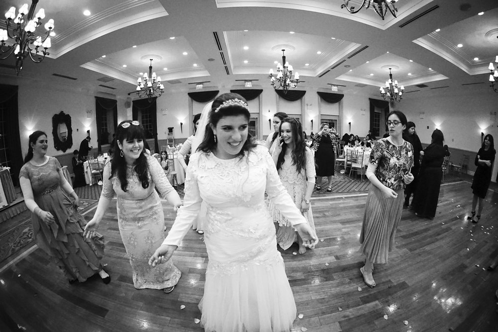 Orthodox Jewish Wedding, Dyker Beach Park and Golf Course, Brooklyn, New York, Photo by Chaim Schvarcz