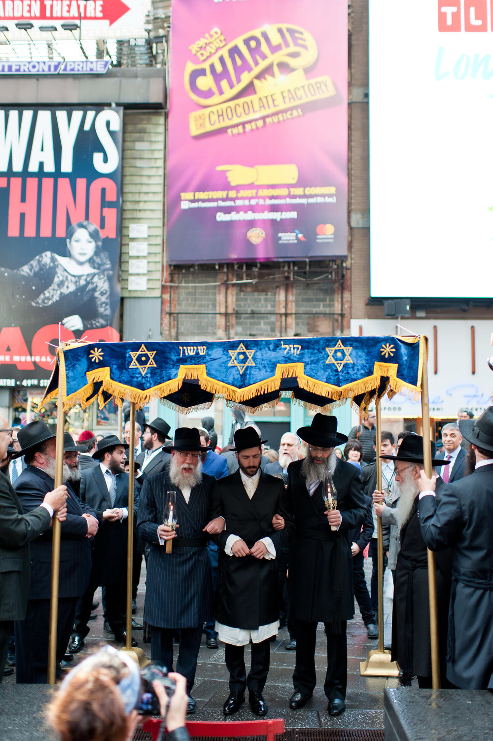 Historic Chabad Orthodox Jewish Wedding in Times Square Manhattan New York NYC Photo by Chaim Schvarcz, chuppah, father of the groom, groom, father of the bride
