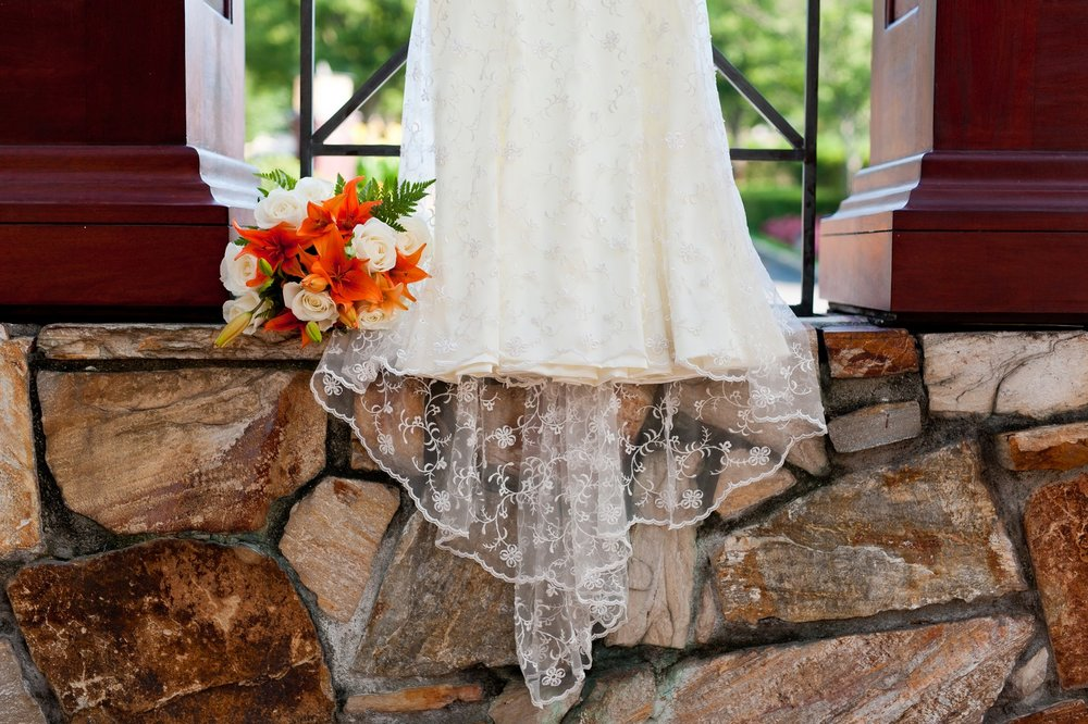 Sam and Yishai's Modern Orthodox Jewish Wedding at Crest Hollow Country Club, Woodbury NY, Photos by Chaim Schvarcz, Wedding Gown, Bridal Bouquet