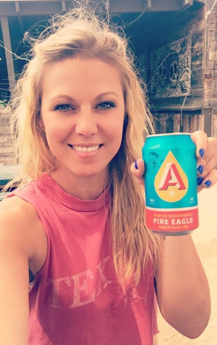 TheArtofBeers - Amanda - The Booze League Bombshell