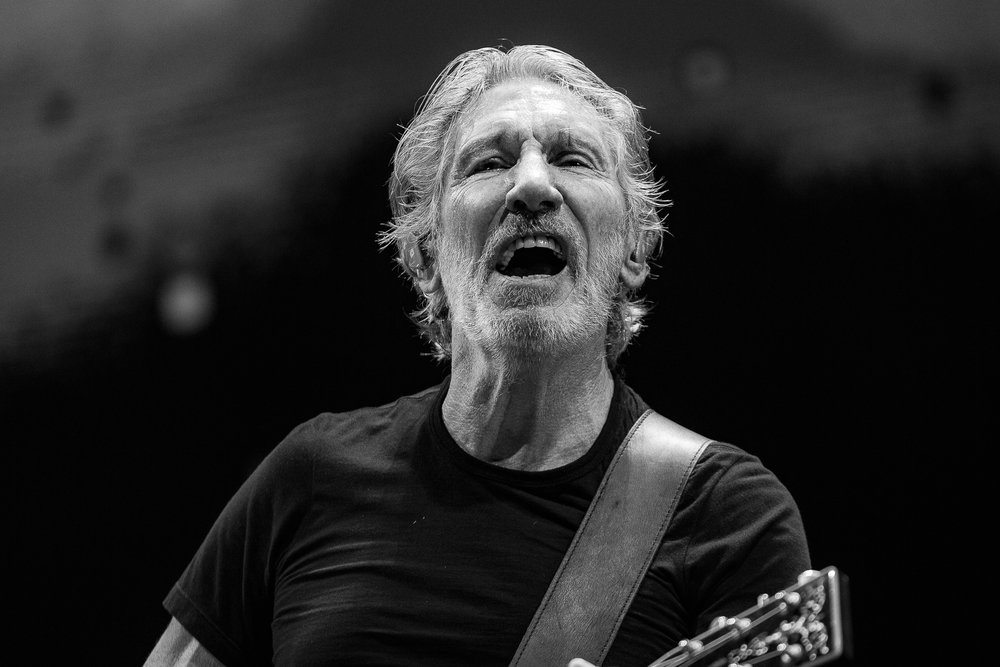 Mitch Lowe Photo - Roger Waters - Brisbane Ent Centre-36.jpg
