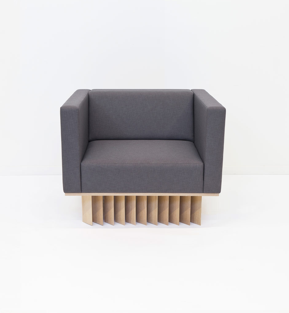 Angled Wood Bar Lounger