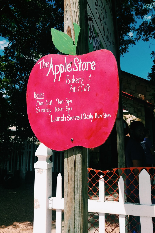 Apple Store - 3HC 3.jpg