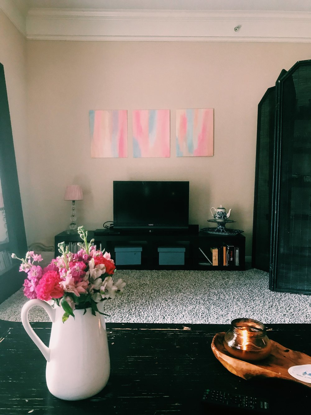 Three Heel Clicks - Tips for Decorating Your Home (1).jpg