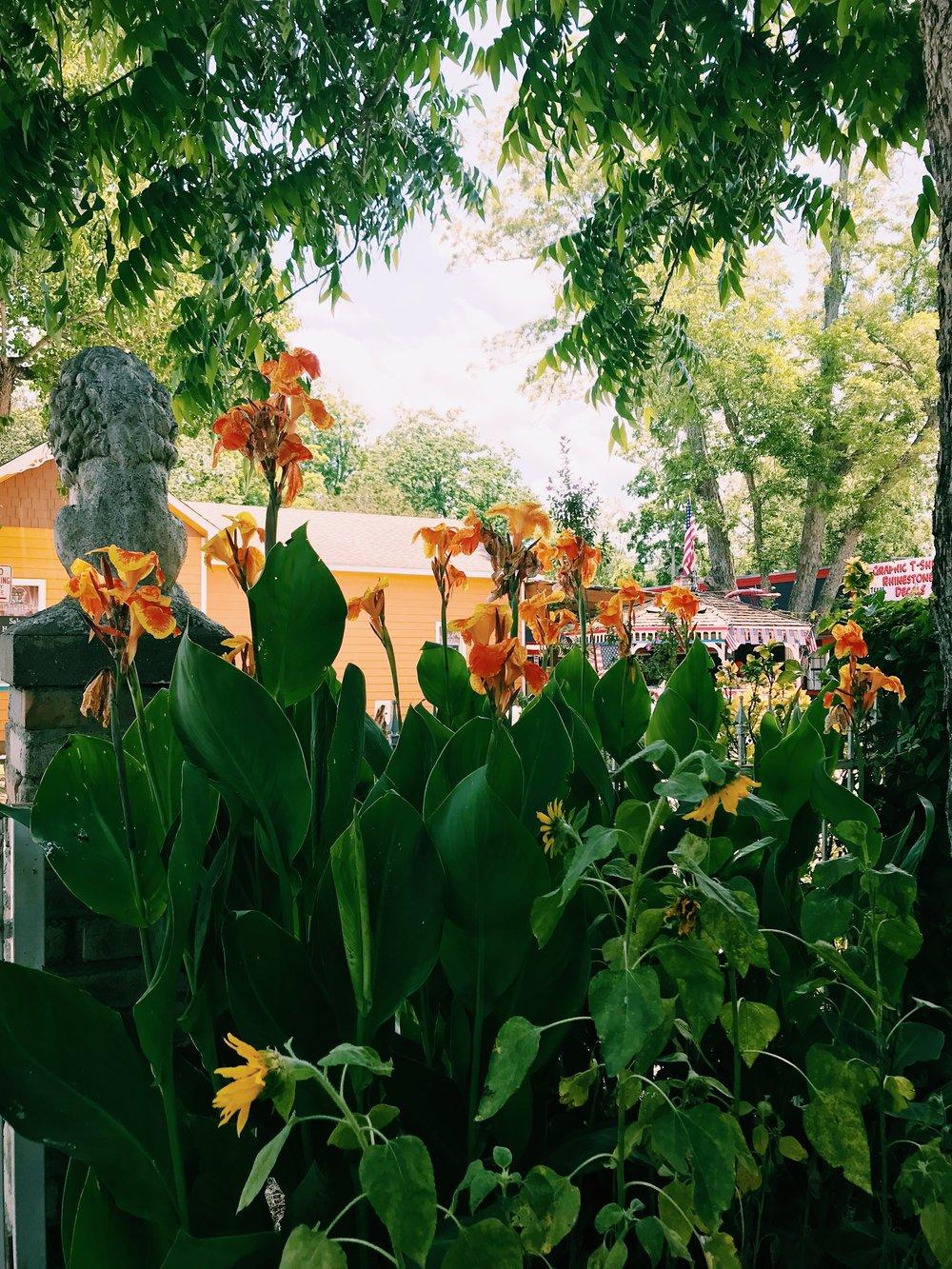 Three Heel Clicks - Houston Hotspots - Old Town Spring (19).jpg