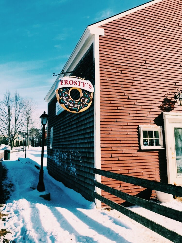 Three Heel Clicks - Small Town Charm - Freeport Maine (57).jpg