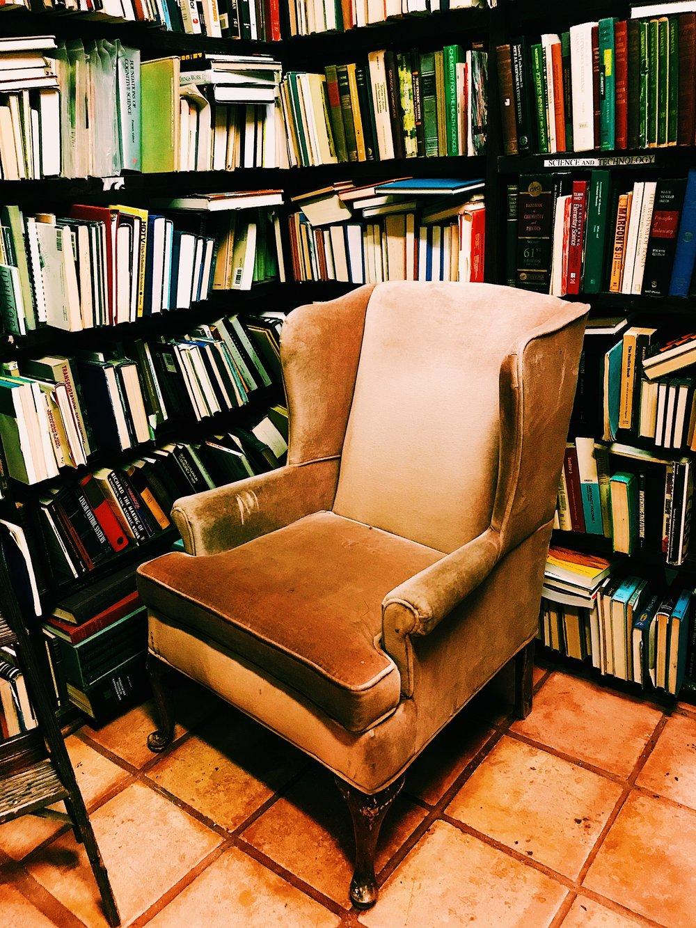 Three Heel Clicks - Houston Hotspots - Becker's Books (16).jpg