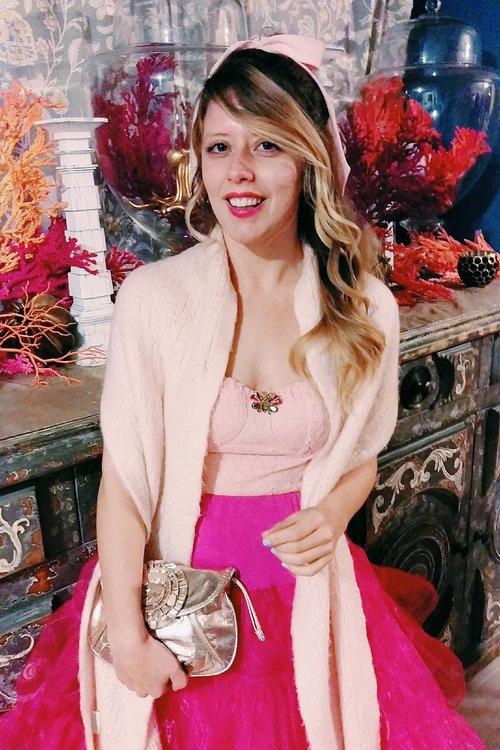 Three Heel Clicks - 5 on Fridays - Five Ways to Wear Hot Pink (10).jpg