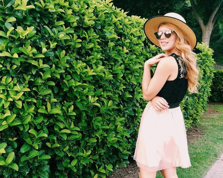 Three Heel Clicks - Five Ways to Wear a Spring Garden Hat (3).jpg