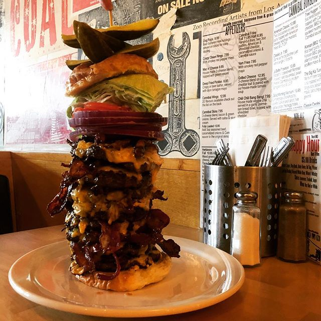 Who on here has attempted to defeat #thebeast ?🙋🏾‍♂️🙋🏻‍♀️ Let us know in the comments if you ate it all before the 30 minutes was up! 🍔🍔🍔 #burgerchallenge #vancouverfoodchallenge  Call us to make a reservation to try it for yourself 😉📞
