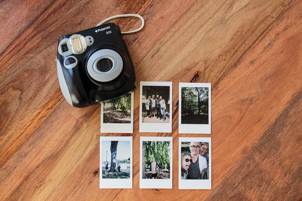 polaroid camera simply gifted