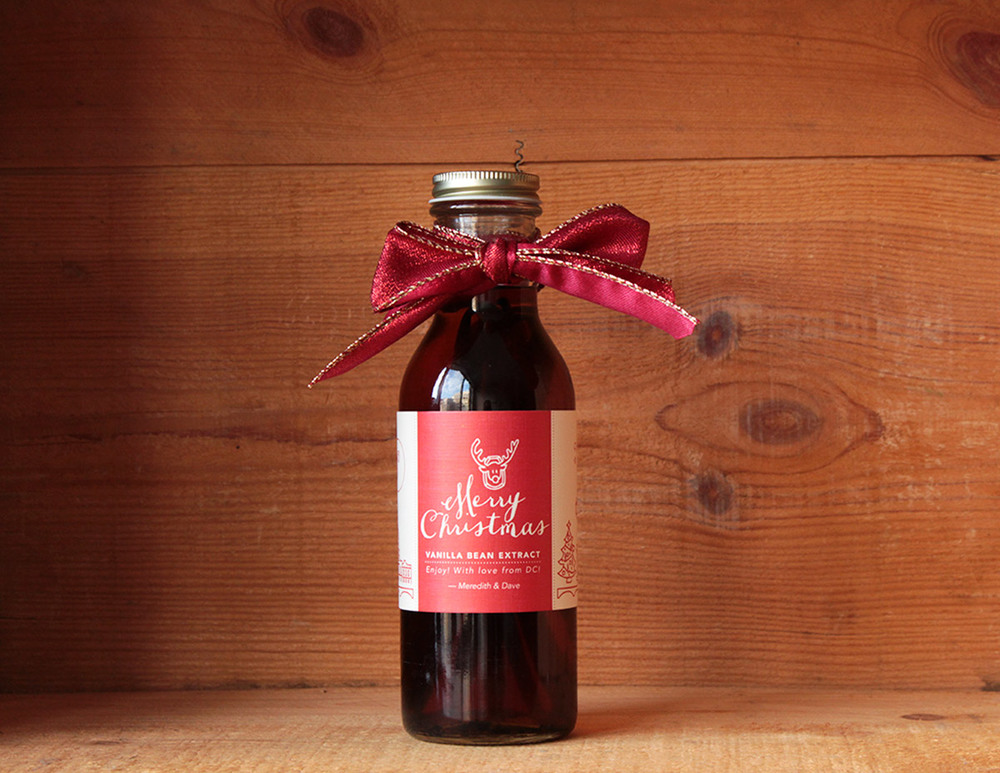 Simply Gifted: Easy, cheap, homemade holiday gift. Make homemade Vanilla Bean Extract for your friends and family to enjoy year round.