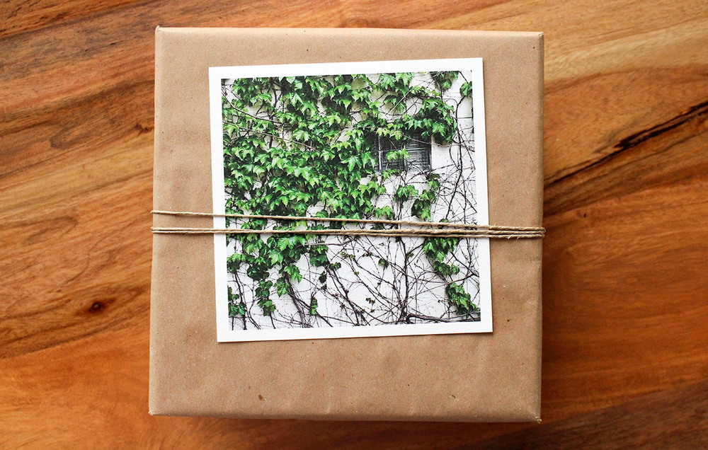 Simply Gifted:  Easy gift wrapping idea using brown paper, a print and string!