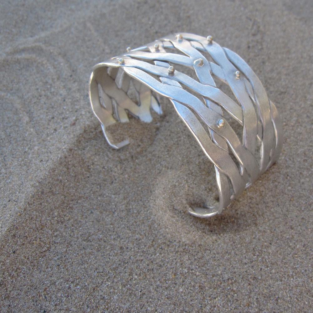 tsunami bracelet –