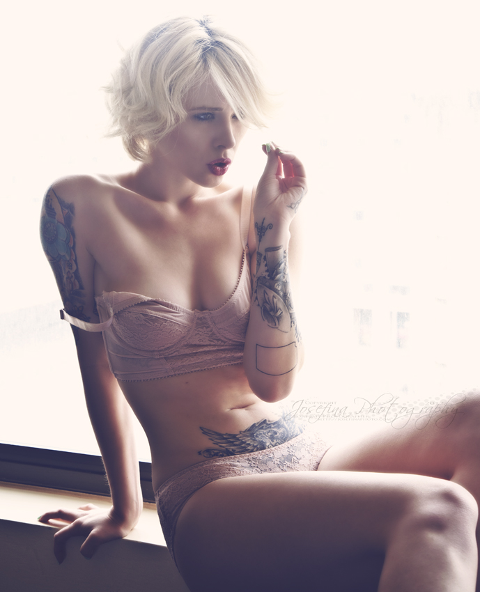 Destiny Awaits   M / Alysha Nett