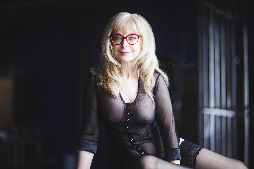 M: Nina Hartley | Copyright © Josefina Photography 2016