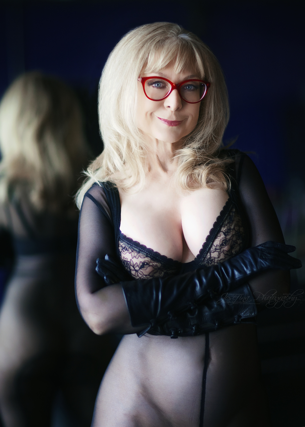 Color Version | M: Nina Hartley | Glasses: Cutler & Gross | Bodysuit: WinterFetish.com | Bra: Wolford Fashion | Gloves: Bergdorfs | Copyright © Josefina Photography 2016