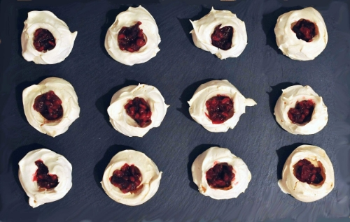 winter berry meringue--apés