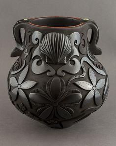 Blackware octopus pot   Tammy Garcia  (IG:  tammygarciaart )