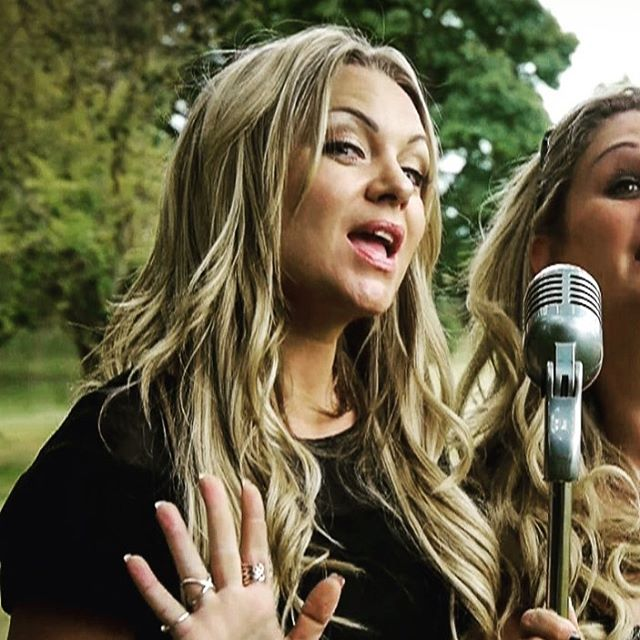 Roxy rocks the mic. #eastenders #roxyrocks #weddingmarryoke #roxymitchell #roxyrocksthemic #marryoke #movingmediafilms #weddinginspiration