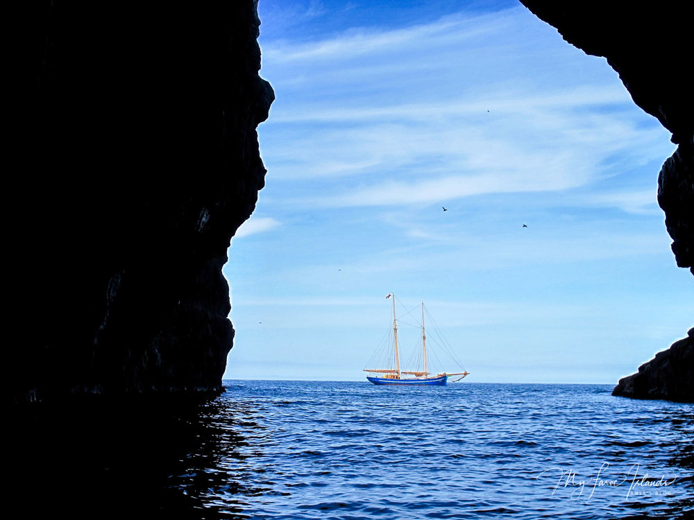 Cave © My Faroe Islands, Anja Mazuhn  (1 von 1).jpg