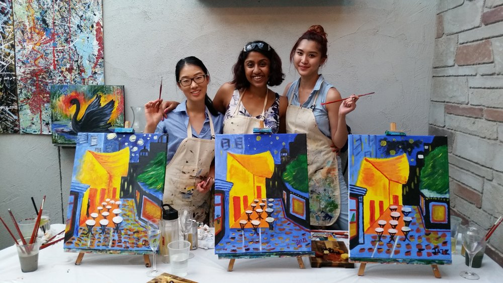 Paint, Sip and Smile With Us   Grab a mate and book in to one of our classes today