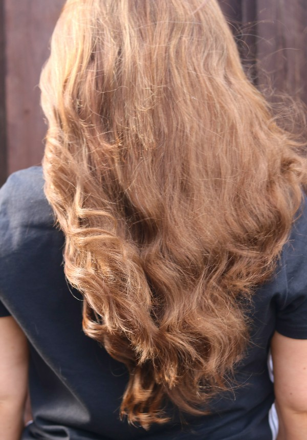 200g Of Wavy Slavic Hair Extensions