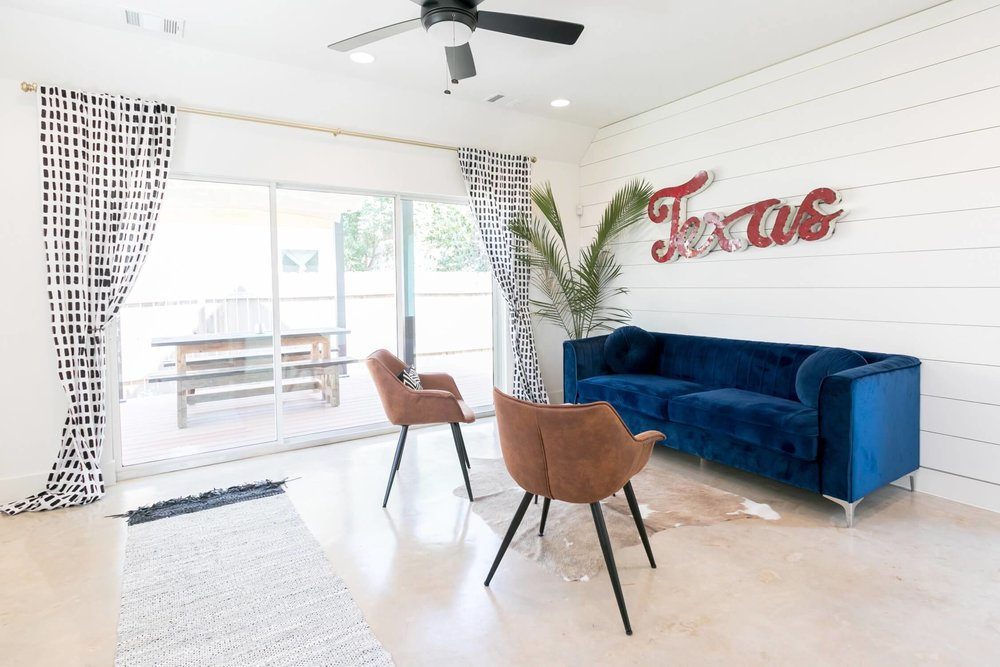 these 12 airbnb austin stays are the epitome of urban chic i am co rh iamandco com airb and b austin texas airb and b austin texas