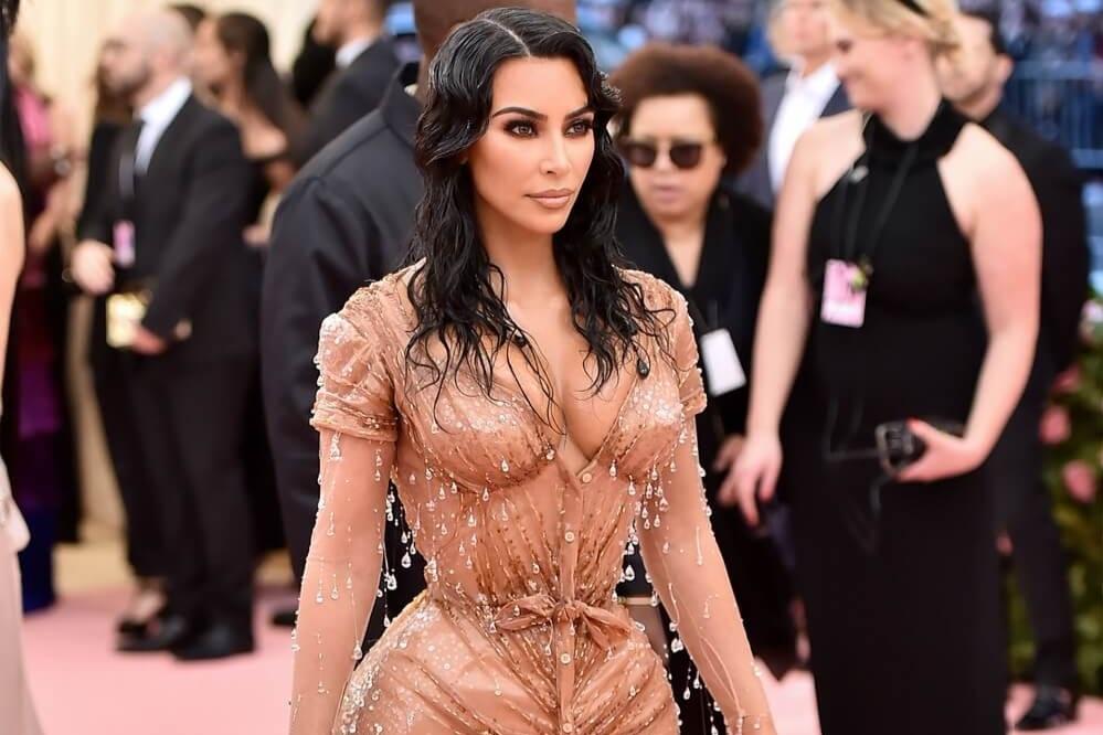 0daaf0a3ce29b I Tried The Kim Kardashian Boob Lift Hack  Did It Work